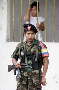 לוחמת FARC