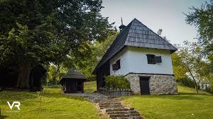בית כפר בסרביה