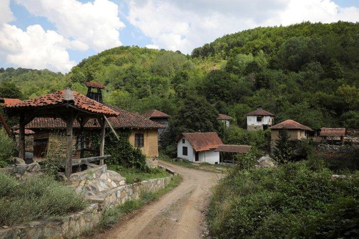 serbia-depopulation-ghost-villages-abandoned